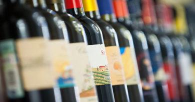 Ассоциация компаний интернет-торговли (АКИТ) предложила новый способ легализации продаж алкоголя в Сети.