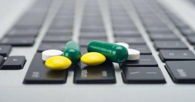 В России предлагают разрешить продажу рецептурных лекарств через интернет.