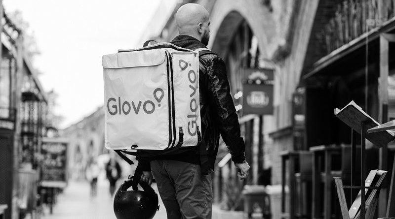 glovo_bw_