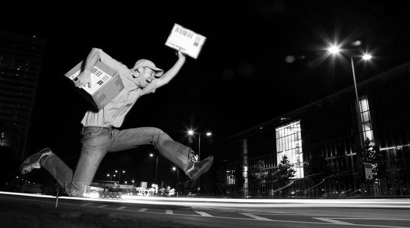 night delivery_bw_